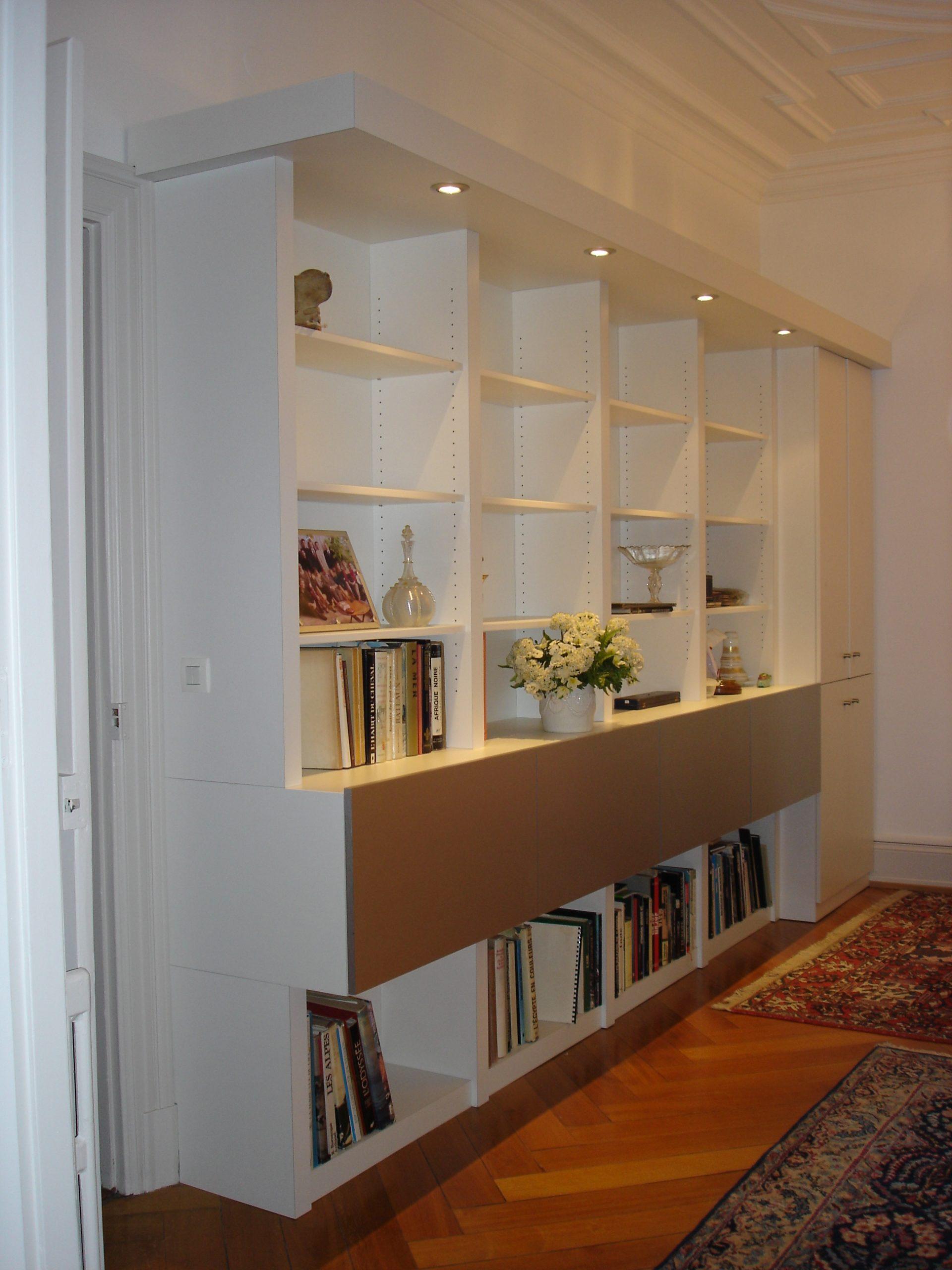 Bibliotheque aluminium et blanc