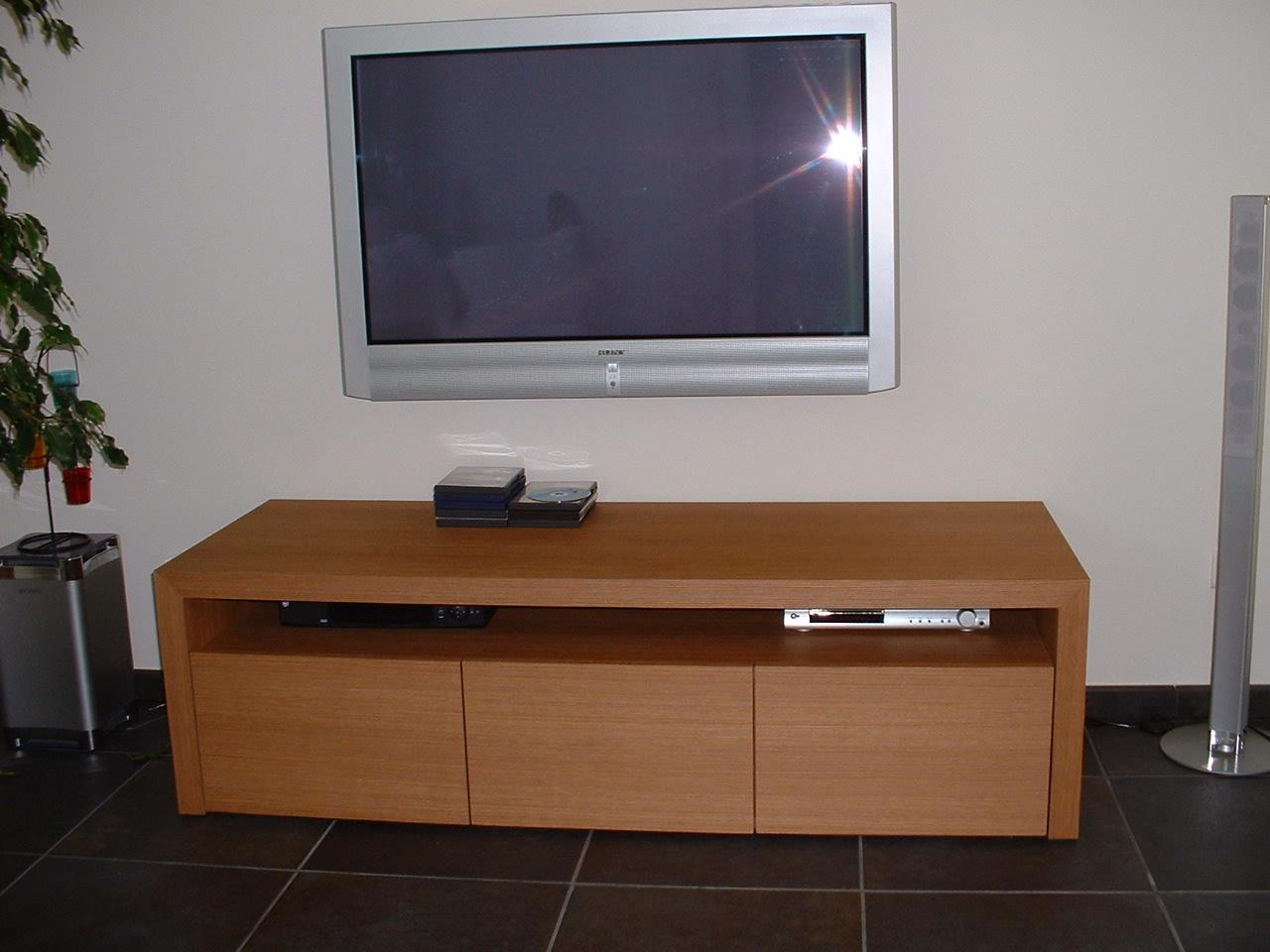 meuble télévision et accessoires